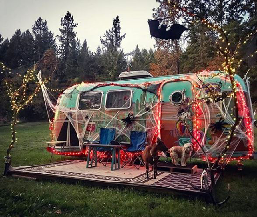 Campervan Halloween, vanlife